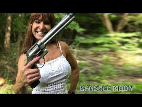 50 year old youtube star Farm Girl shoots Smith 500!