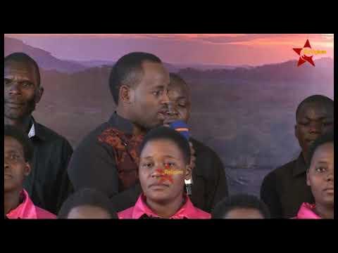 Download Watangazaji wa Star Religion wakishindana Kuimba Katika Mikutano ya Tumekaribia Nyumbani
