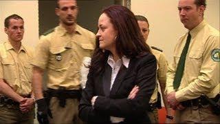 La néonazie Beate Zschäpe élégante devant ses juges