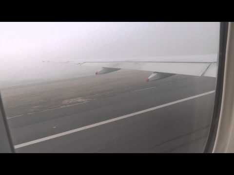 Singapore Airlines B777-200 Take-off in fog from New Delhi Indira Gandhi Airport