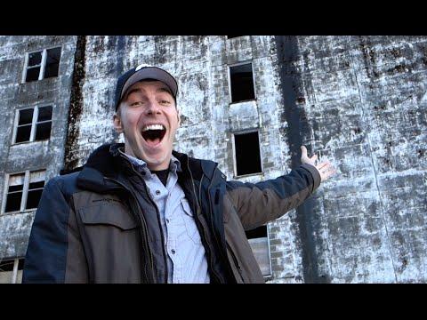 Creepy Abandoned Building - [Living in Alaska 109]
