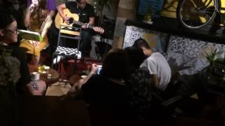 Yêu dại khờ live acoustic at Pre75 cafe