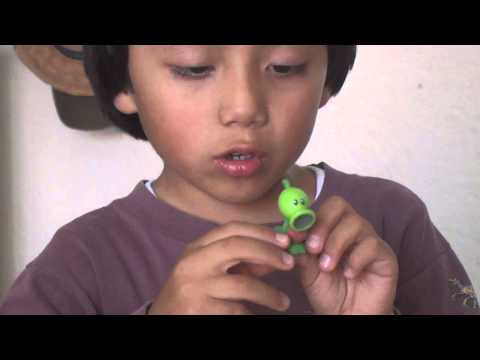 Juguetes de plantas vs zombies 1 Travel Video