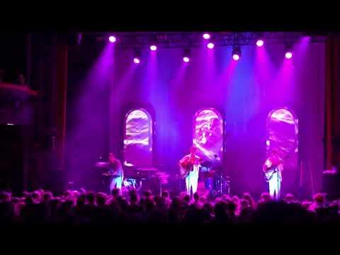 Champagne - Django Django live @ Paris 10.03.2018