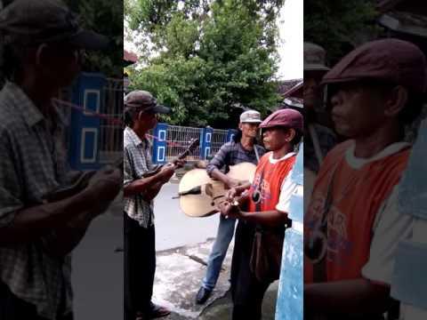 Pengamen Jalanan-Pacobaning Urip
