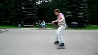 Учимся кататься на роликовых коньках спиной вперед - подводящее упражнение Песочные часы