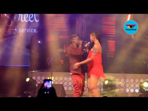VIDEO: Shatta Wale takes over Shatta Michy's performance at Becca UNVEILED
