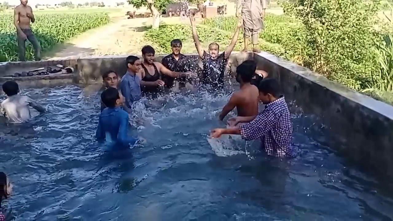 Aaj Blue hai pani pani pani And Plastic Song By Saplings