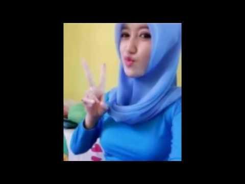 Cewek Jilbab Cantik Toge Bohay Ngentot Sampe Basah Di Kamar Kost