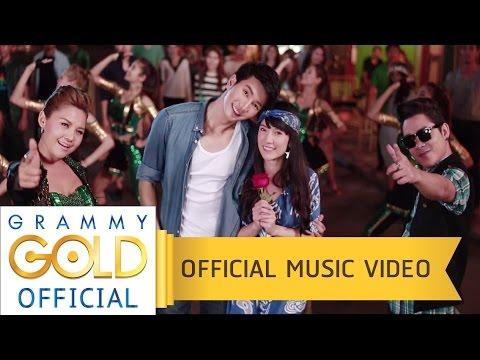 เงยหน้าขึ้นฟ้า (Feat.โจ๊ก So cool) - ตั๊กแตน ชลดา【OFFICIAL MV】