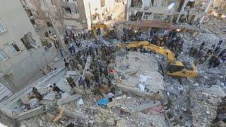 El presidente de Irán visita las zonas afectadas por el terremoto