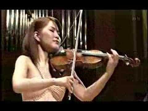M.kamio plays Tchaikovsky Violin Concerto (1st Mov 1of2)