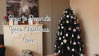 How to Decorate a Christmas Tree Thumbnail