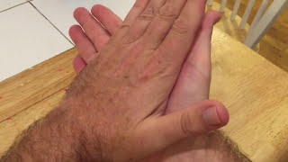 How to make funny noises with your hands
