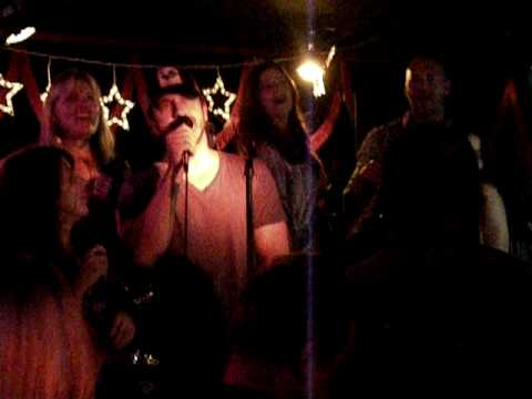 Gerard Butler Demi Moore and Michelle Monaghan Karaoke (Must