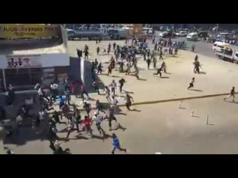 How police crushed a peaceful demo in Harare: 17 Aug 2016