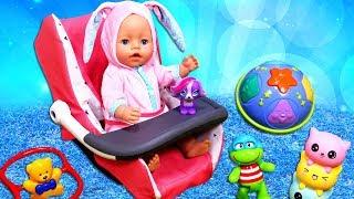Vidéo pour enfants. Déballage d'une nouvelle chaise pour baby Annabell