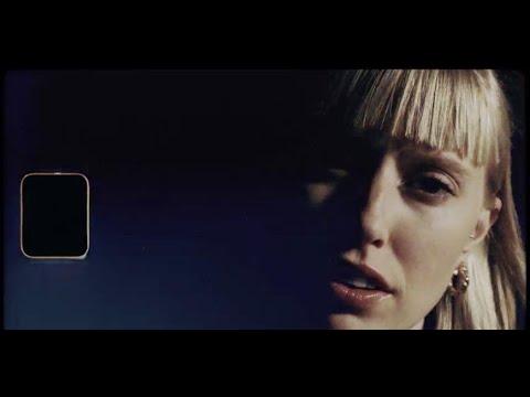 Смотреть клип Lea & Capital Bra - 7 Stunden