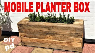 Mobile Pallet Planter Box - Decorative Garden Rolling Planter Box | DIY Decor Ideas