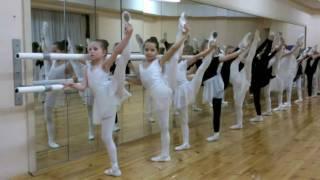 Урок классического танца у Даши. DASHA THE DANCE!!!