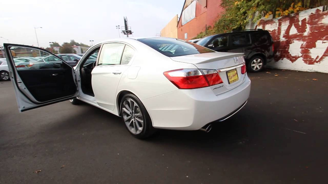 Ea035770 2014 honda accord sport hondaofburien white for 2014 honda accord white