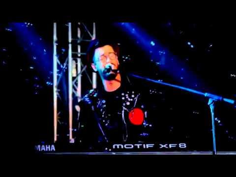 سعد لمجرد يغني