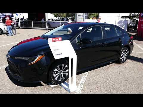 New 2022 Toyota Corolla Hybrid LE Exterior Walkaround & Interior Tour – 2021 Denver Auto Show