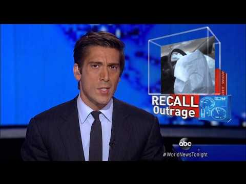 David Muir shaves during commercial break ABC World News