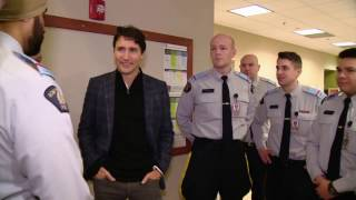 Trudeau talks boxing with RCMP cadets in Regina