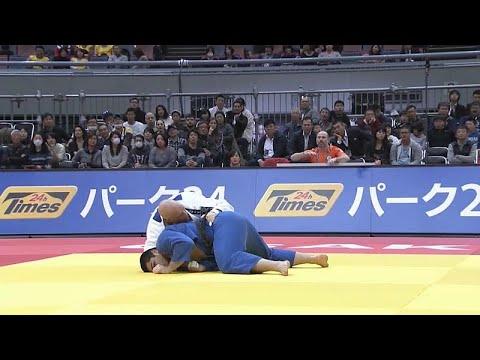 Judoca português Jorge Fonseca sobe ao pódio de Osaca
