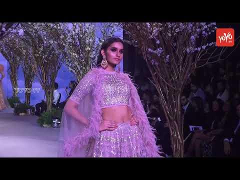 Ishan Khattar And Malavika Mohanan Walk For Falguni At Bombay Times Fashion Week | YOYO TV Hindi