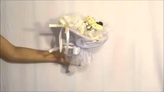 Свадебный букет из игрушек с цветами(Свадебный букет выполнен из 2 игрушек мишек: жениха и невесты с цветами (розы) из гофробумаги. Внутри каждой..., 2015-11-09T13:44:25.000Z)