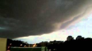 Tempestade estranha em Porto Alegre -NUVEM APAVORANTE-
