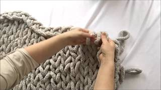 HAND KNIT CHUNKY CHENILLE BLANKET 40x60, BECOZI - 10% OFF