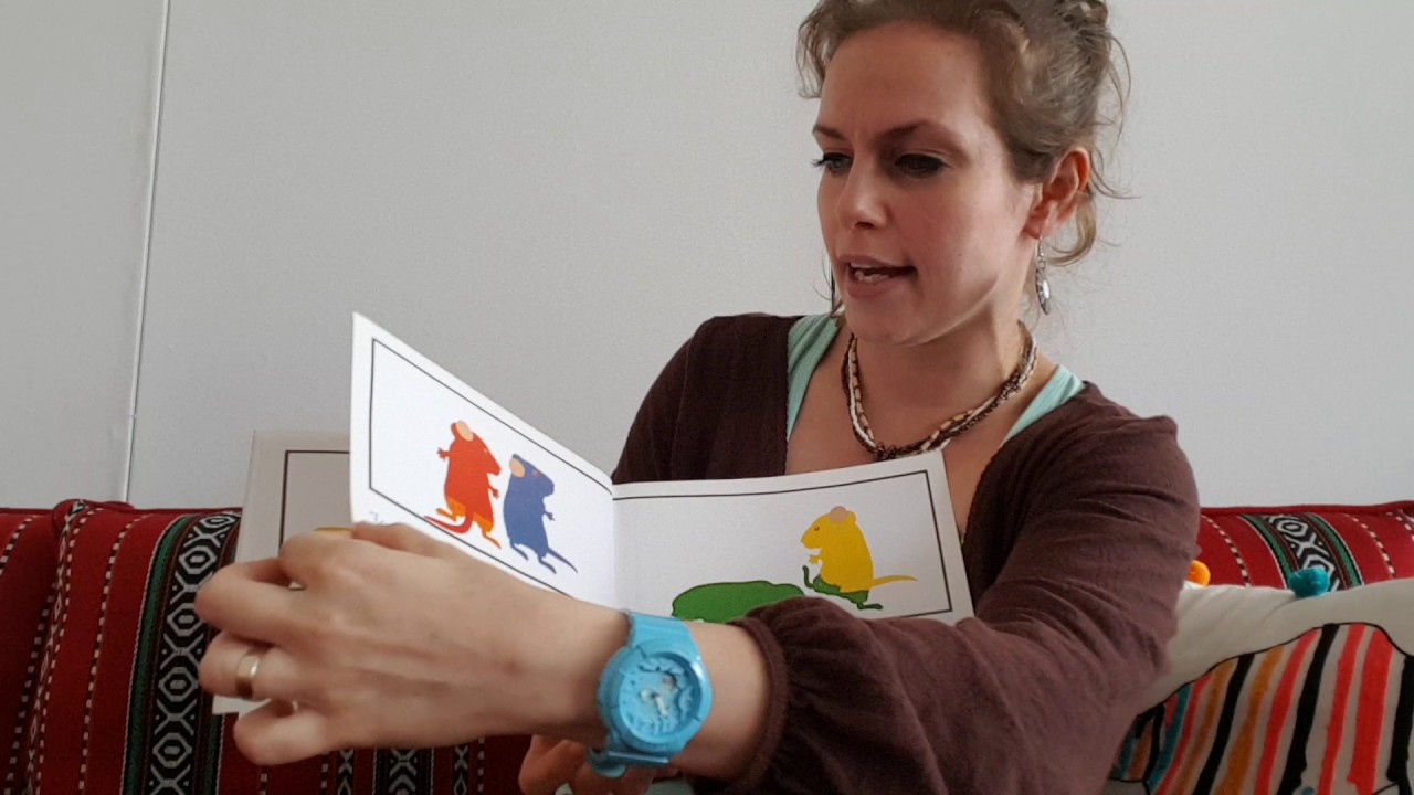 Readaloud Mouse Paint By Ellen Stoll Walsh Youtube