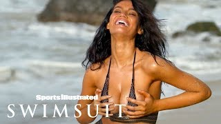 Video Anne de Paula Lives Out Loud, Proves Less Is More In Bikini | Outtakes | Sports Illustrated Swimsuit download MP3, 3GP, MP4, WEBM, AVI, FLV Mei 2018
