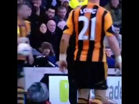 Copie de FIGHT Alan Pardew HEADBUTT HULL CITY 1-4 NEW CASTLE  WTF!!!!!