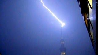 東京都墨田区周辺では8月21日午後10時前後から強い雨となり、雷が...