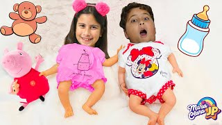 Maria Clara e JP voltam a ser bebês 👶 Maria Clara and JP pretend to play baby