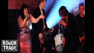 Jarvis Cocker & Beth Ditto - Temptation (Live)