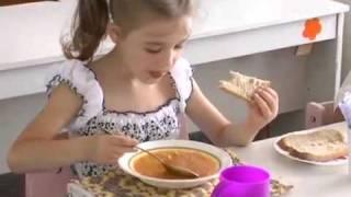 Чем балуют детей краснолучан в детских садах