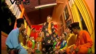 Lagu Tradisional moden - Dia Datang (karaoke).DAT