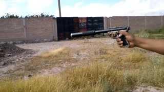 prueba silenciador cal .22 lr  METALLICO ARMORY en pistola ruger 22-45 personalizada