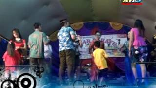 """MAWAR DI TANGAN""Organ Tunggal Goyang Asiik Live Panggung"" 2017"