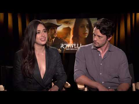 """Interview with Jeanine Mason & Nathan Parsons of """"Roswell, New Mexico"""""""