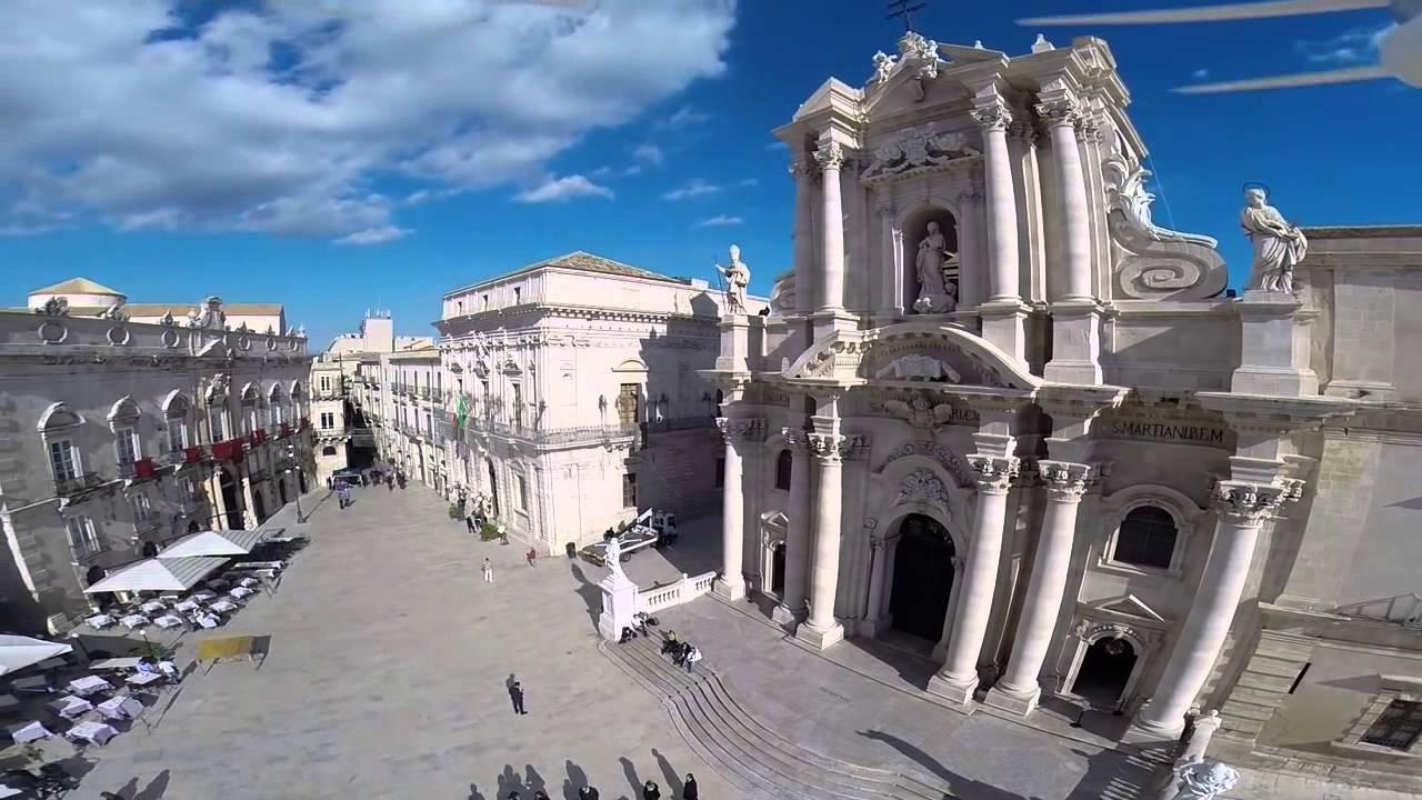 Vista a rea del centro hist rico de ortigia en siracusa for Be italia