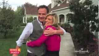 @TimDeKay tells @iamdebbiem what a great time he had on @homeandfamilytv
