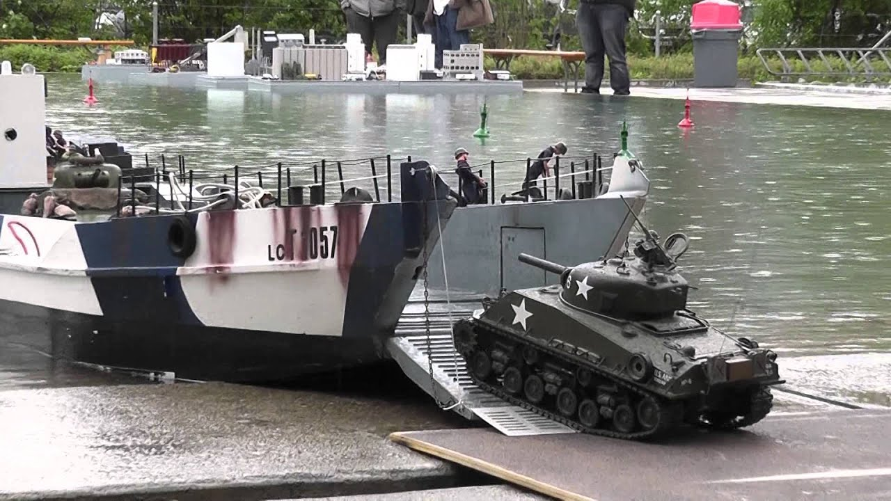 RC Boat - Landing Craft and Tanks at ASK Show Case 2014 - YouTube