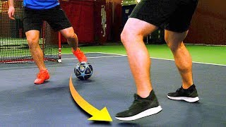 "LEARN This AMAZING ""Hypno Turn"" Football SKILL! 😱 (SkillTwins Tutorial) ★"