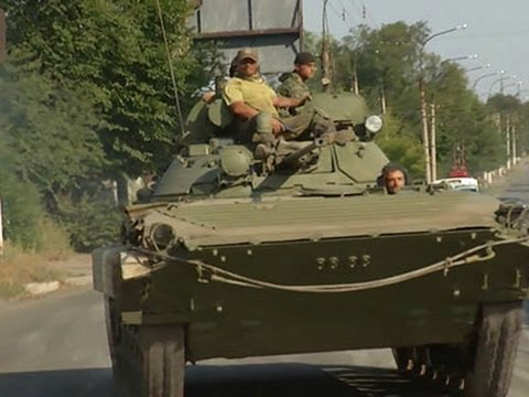 Weapons Convoys Seen Rolling in Eastern Ukraine